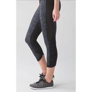 Lululemon Var-City Crop Samba Snake Blk Legging